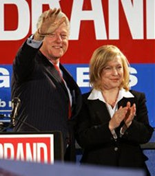 Illustration for article titled Paterson To Appoint Gillibrand; Obamas Are Fisting Enthusiasts