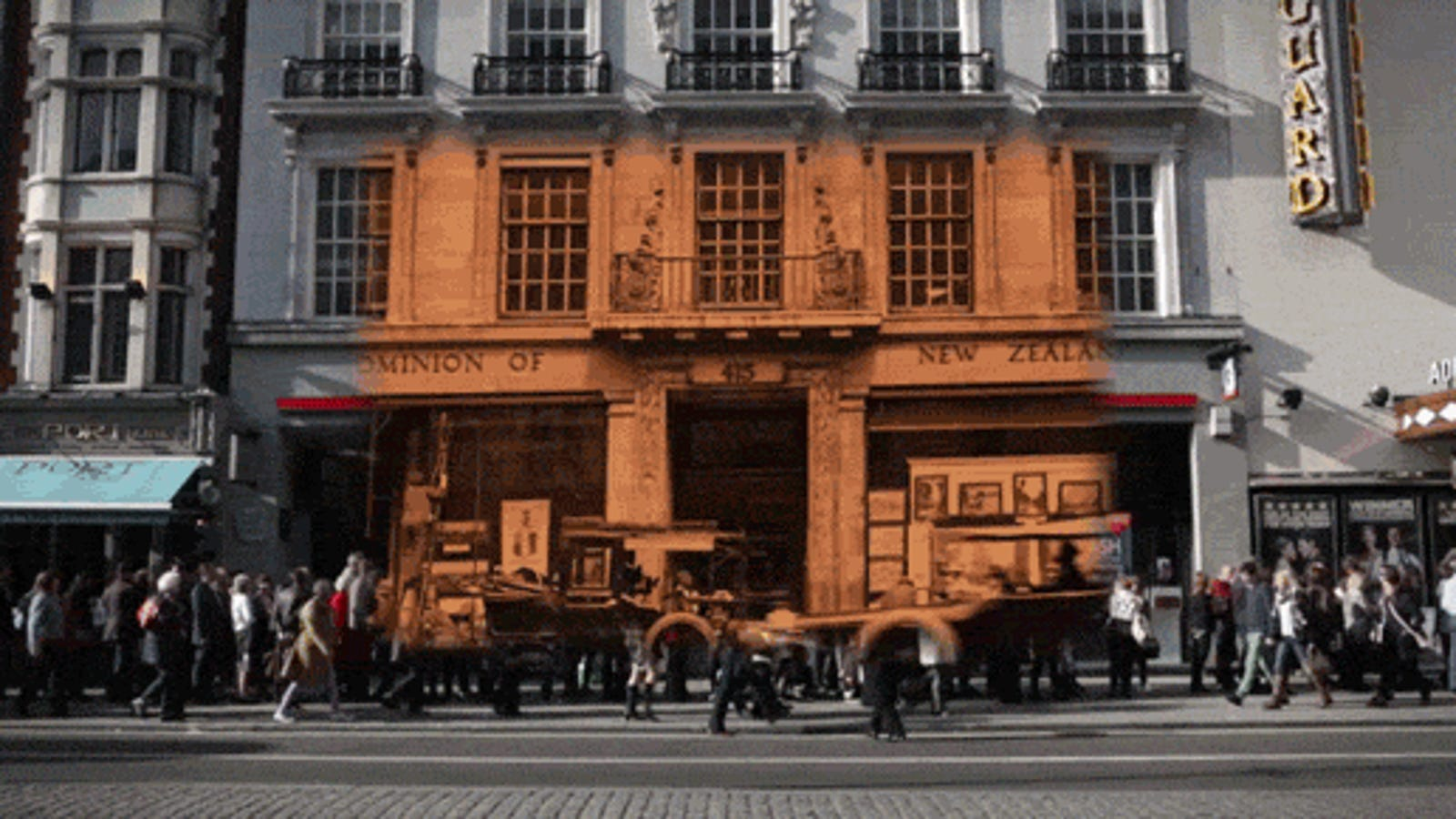 Watch London in 1924 & 2014 get combined into one time traveling video