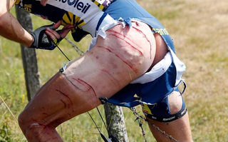 Illustration for article titled The Gruesome Reason This Has Been The Best Tour De France Yet