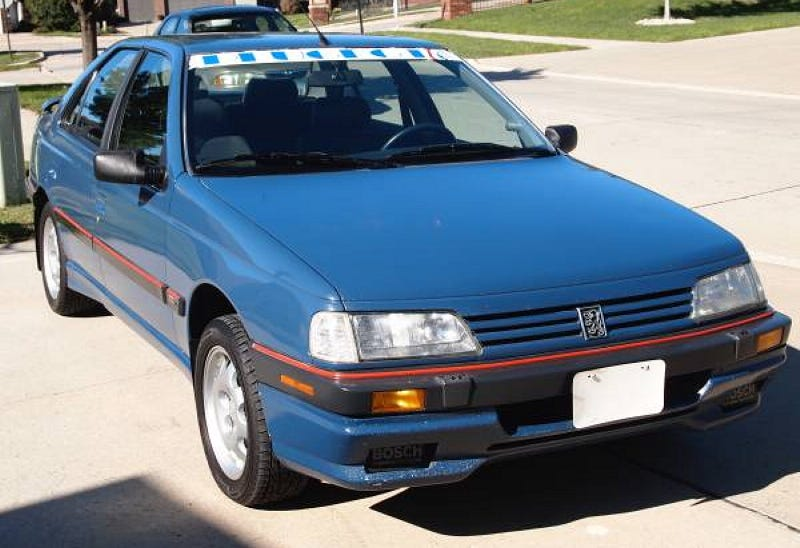 Illustration for article titled For $1,950, This 1989 Peugeot 405 Could Ooh Your La-Las
