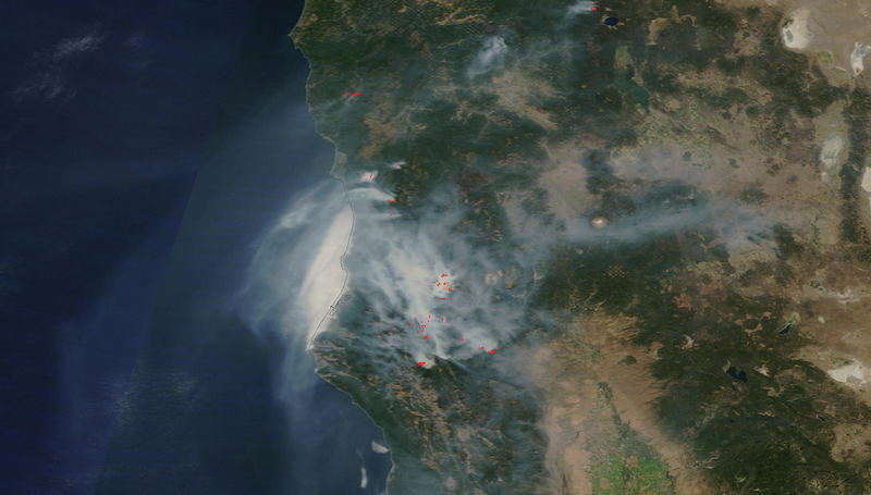 Illustration for article titled Here's What California's Thick Blanket of Wildfire Smoke Looks Like From Orbit
