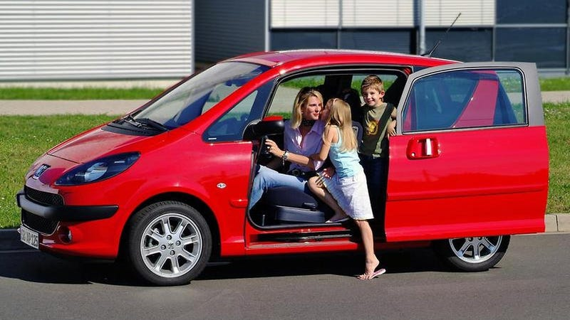 Small Car Doors : I wish more cars had sliding doors