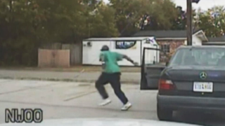 South Carolina officials released Officer Michael Slager's dash-cam footage from moments before the fatal shooting of Walter Scott.CNN screenshot