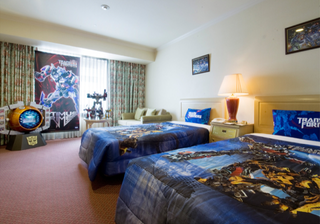 Illustration for article titled Japan's Transformers Hotel Room Is More Than Meets the Eye
