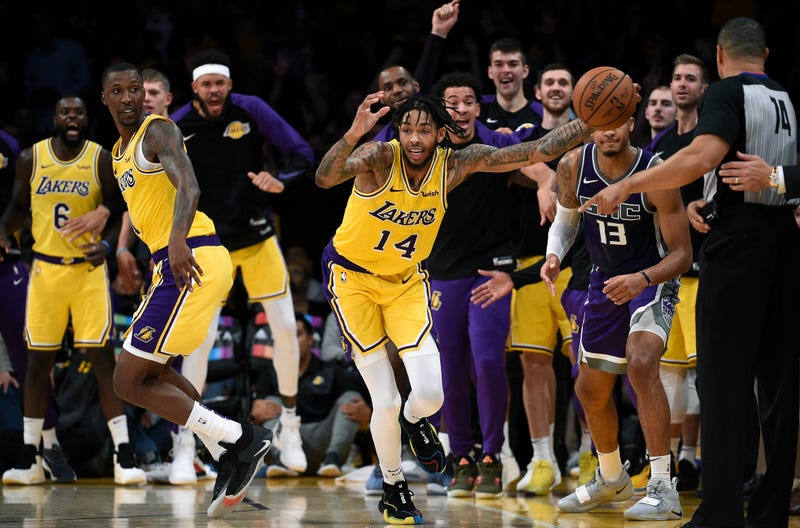 Illustration for article titled Brandon Ingram Electrifies Lakers Crowd With Uh Inbounds Defense, No Really