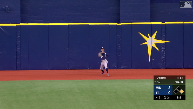 Illustration for article titled Twins' Byron Buxton Throws An Absolute Laser To Make A 300-Foot Double Play Look Easy