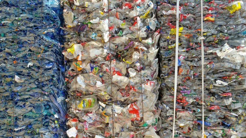 Illustration for article titled China's Plastic Waste Ban Will Create a Huge Issue For the World