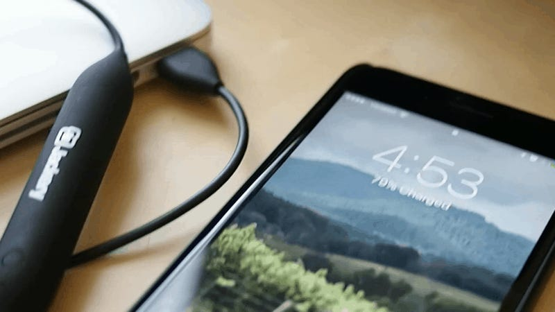 Jackery Stuffed a Battery Pack Inside a Lightning Cable [Updated]