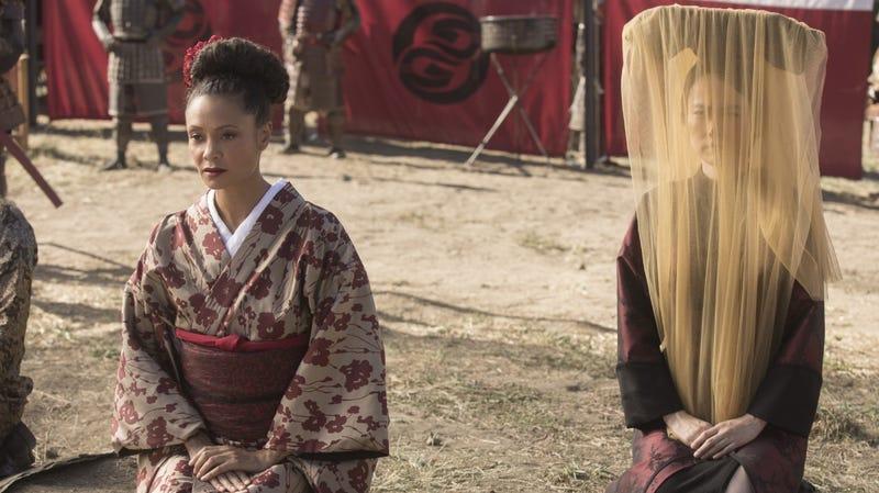 Maeve (Thandie Newton) meets with the Shōgun.