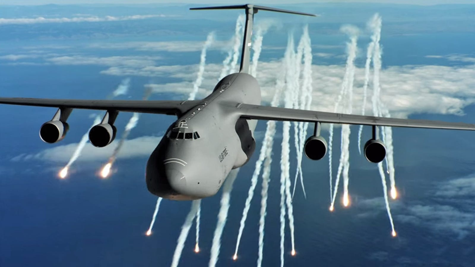 What Its Like To Fly Americas Biggest Jet The Gargantuan C 5 Galaxy Aircraft Hydraulic System Intelligent Diagrams
