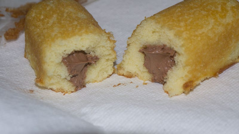 Illustration for article titled Twinkies Return July 15, Minus Unionized Twinkie Bakers