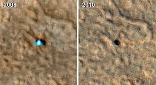 Illustration for article titled The Mars Phoenix Lander Is But a Dead, Black Dot