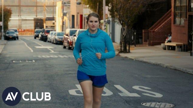 Jillian Bell, Utkarsh Ambudkar, and Lil Rel Howery on how to run really slowly
