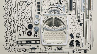 Illustration for article titled It's Amazing How Many Parts and Pieces Are Inside a Typewriter