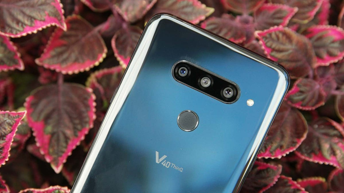 LG V40 ThinQ Review: A Different Lens for Every Moment