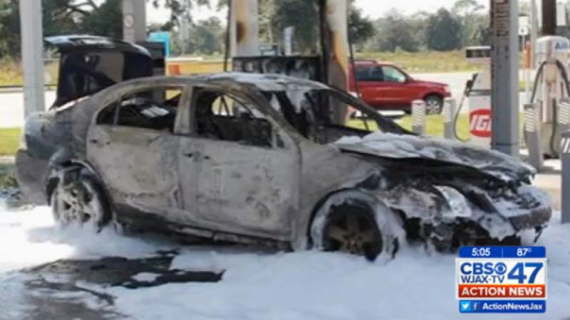 Illustration for article titled Car Candle Causes Catastrophic Conflagration (In Florida)