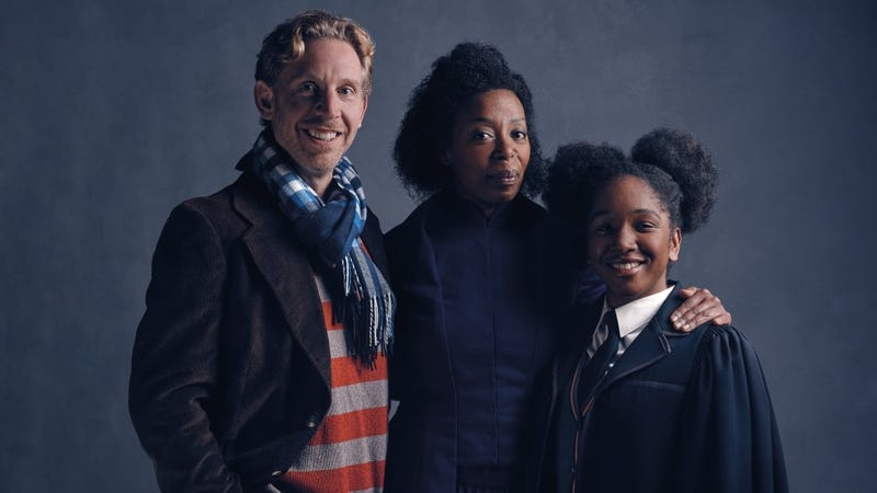 Illustration for article titled Harry Potter and the Cursed Child RevealsHermione Granger and Ron Weasley's FamilyPhoto