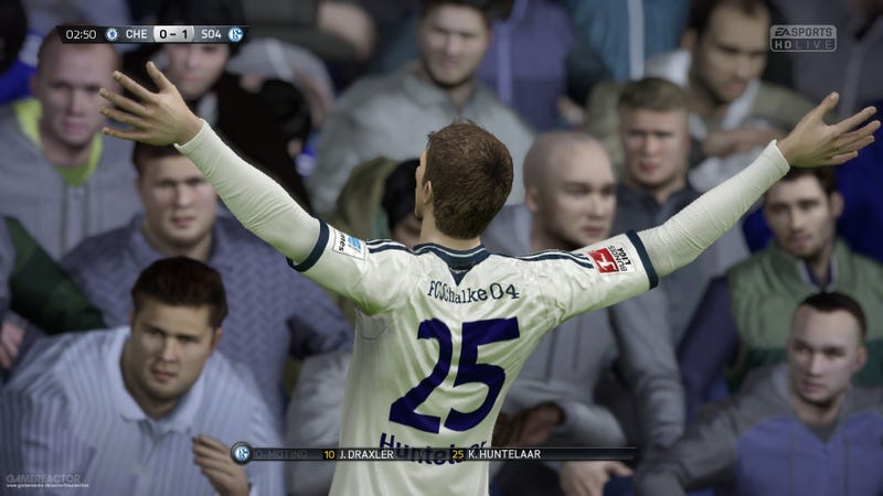 Illustration for article titled The Ongoing FIFA 15 Ultimate Team stuck content issue will soon be resolved