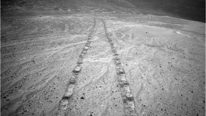 Tracks left on Mars by the Opportunity rover, photographed on November 12, 2013.