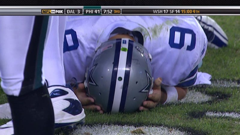 Illustration for article titled Screencap Classix: Romo's Pain