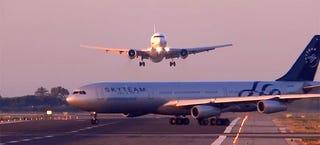 Illustration for article titled Un Boeing 767 evita posible choque con un Airbus A340 cruzado en pista