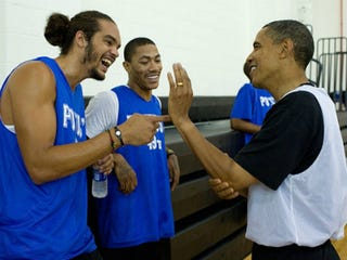 Joakim Noah and Derrick Rose with President Obama (Pete Souza/White House)
