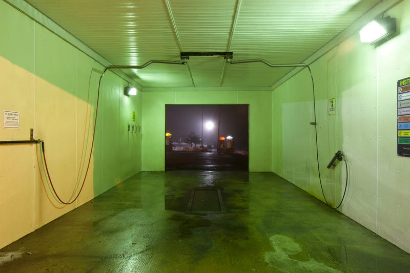 Illustration for article titled These Photos Show the Lonely Interiors of Empty Car Washes