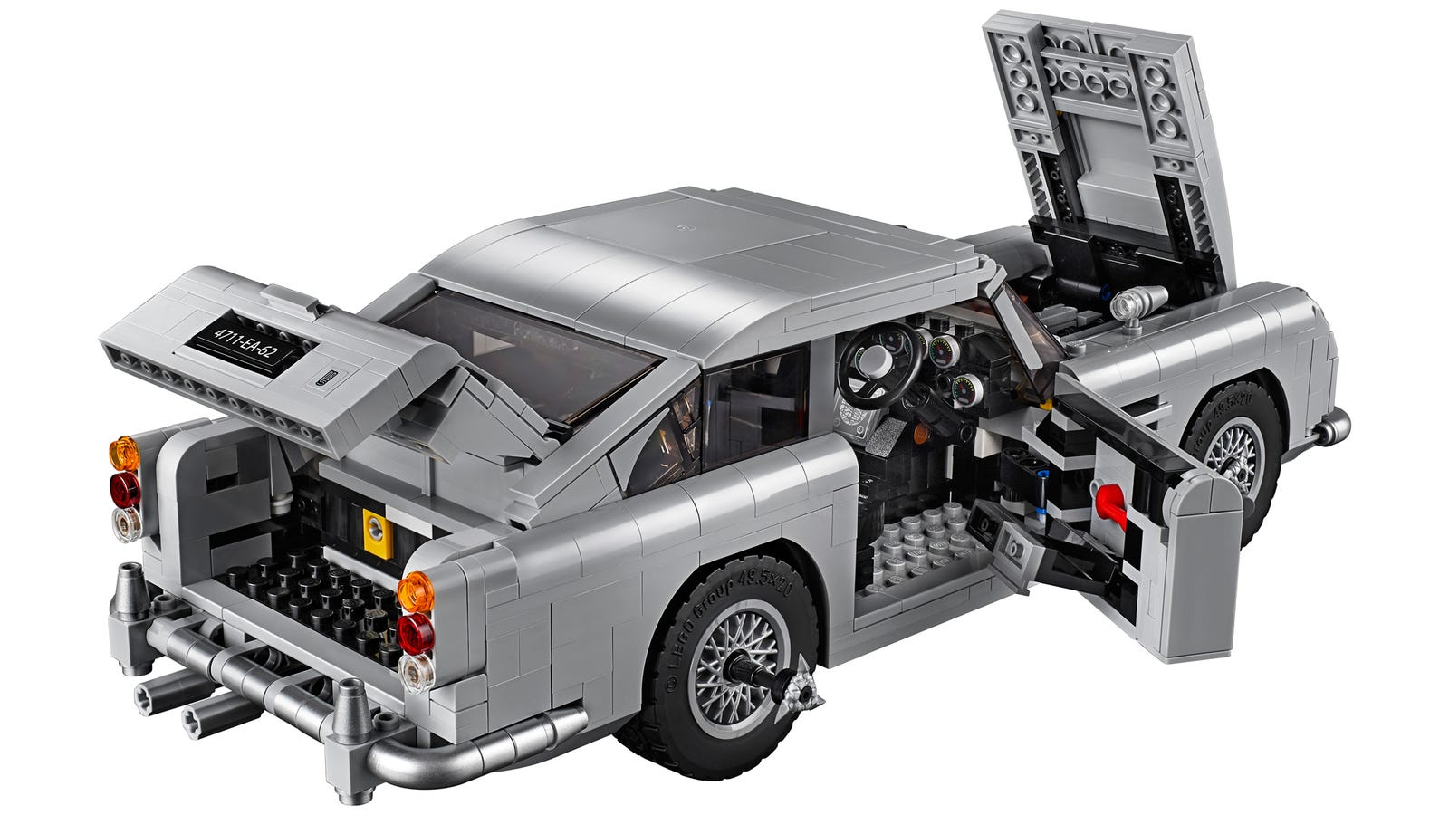 lego james bond 39 s aston martin db5 comes with ejector seat. Black Bedroom Furniture Sets. Home Design Ideas