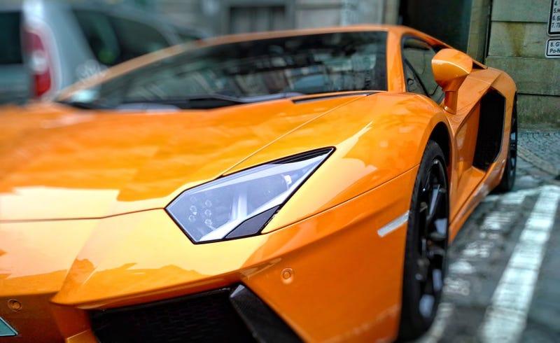 Illustration for article titled Imagina que te toca la lotería y puedes comprar el automóvil que quieras. Estos expertos seleccionan los 5 mejores