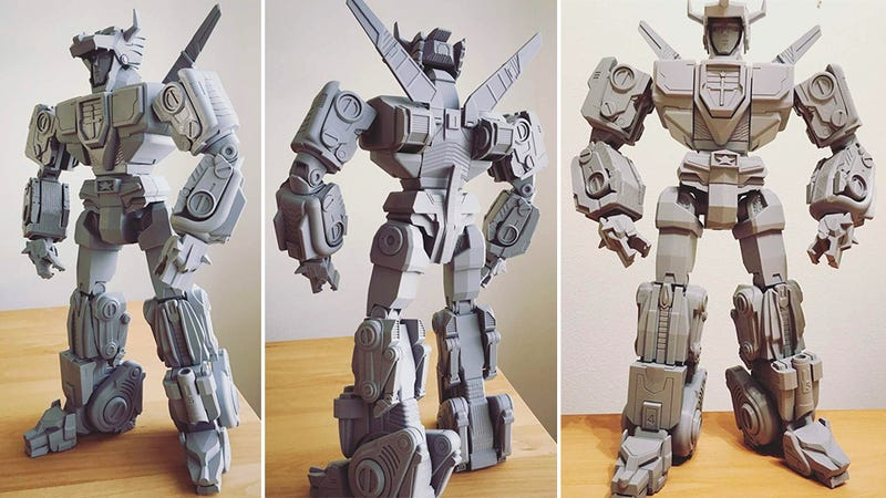 Building This Transforming Voltron Is the Only Reason You Need to Buy a 3D Printer
