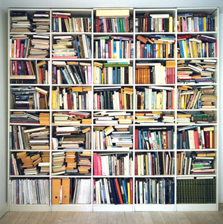 Illustration for article titled Leállt az akkreditáció, kavar a tankönyvlisták körül