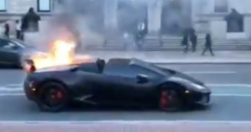 Illustration for article titled Lamborghini Huracán SpyderCatches Fire Near Boston Public Library; Who Knew Lamborghini Owners Read Books?