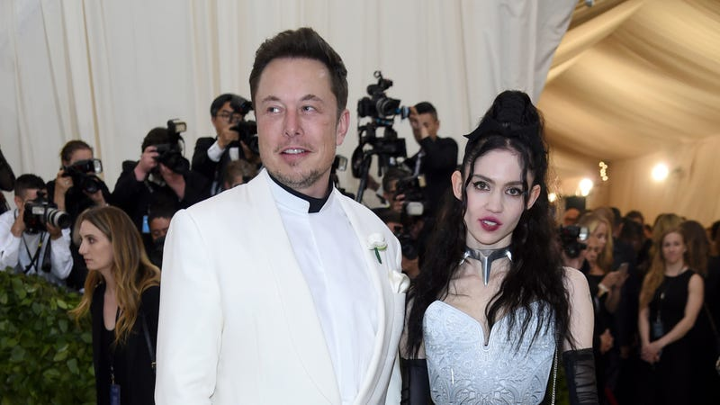 Illustration for article titled I Had No Idea Who Grimes Is, But After 20 Minutes of Misinformed Research, Reports She's Dating Elon Musk Make Sense