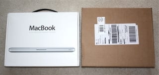 Illustration for article titled Apple Ships Mini DisplayPort Adapter In Huge MacBook-Sized Box