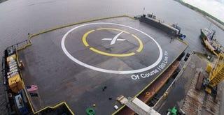 Illustration for article titled Sigue en directo el nuevo intento de aterrizaje del cohete Falcon 9