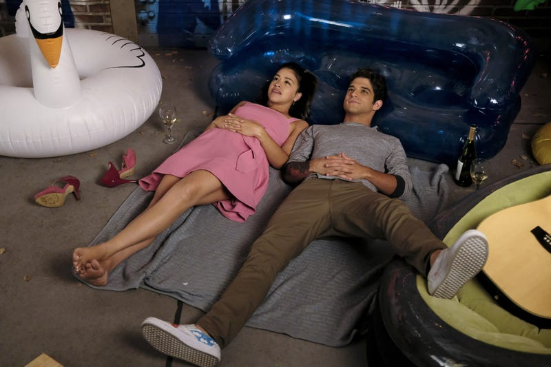 Illustration for article titled Jane The Virgin undergoes a major structural change for its premiere