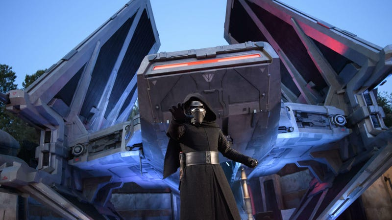 Disneyland's Star Wars: Galaxy's Edge Is Now Open to All