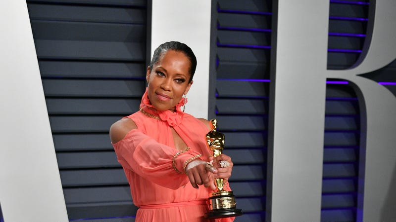 Best Supporting Actress winner for 'If Beale Street Could Talk' Regina King attends the 2019 Vanity Fair Oscar Party on February 24, 2019 in Beverly Hills, California.