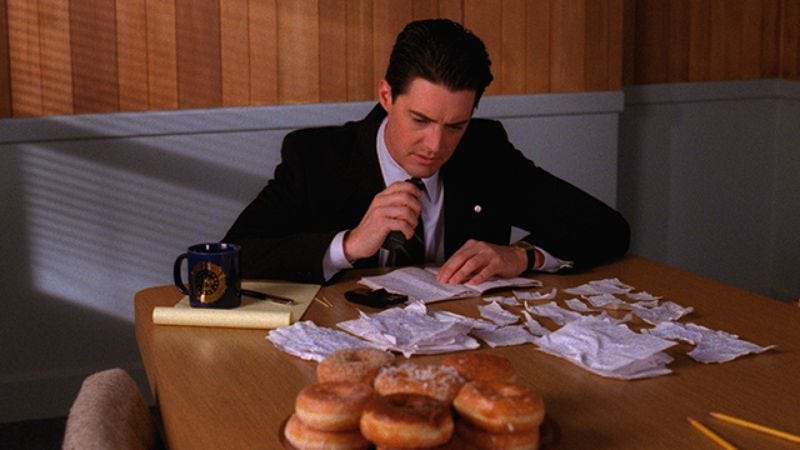 Illustration for article titled A contract dispute between David Lynch and Showtime is holding up Twin Peaks