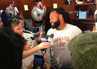 Illustration for article titled Brandon Spikes's Shirt Wins