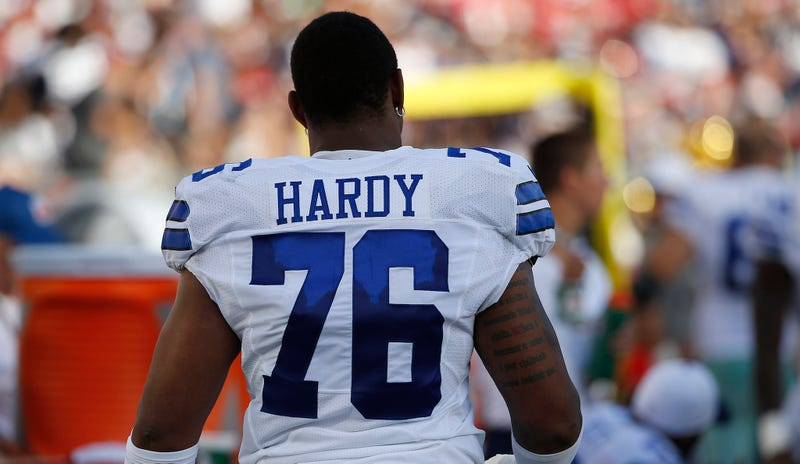 Illustration for article titled How The NFL Convinced Prosecutors To Give Them (And No One Else) The Greg Hardy Photos
