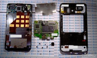 Illustration for article titled HTC Touch HD2 Gets Lovingly Dissected