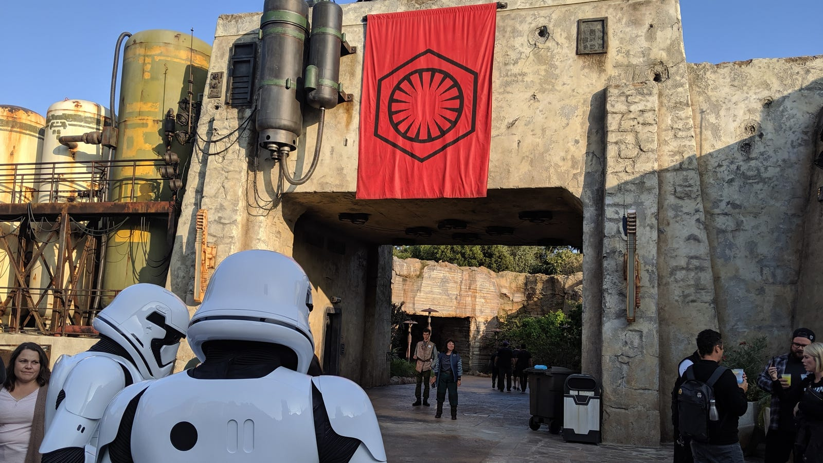 How to Plan the Perfect Trip to Disneyland and 'Star Wars: Galaxy's Edge'