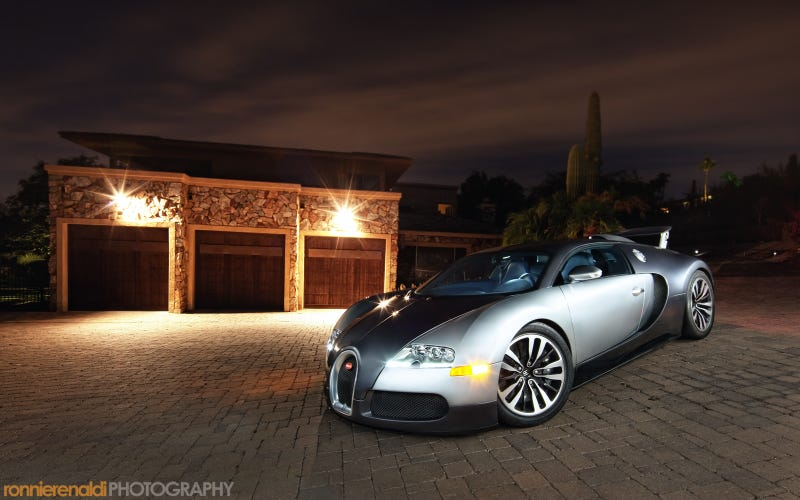 Illustration for article titled Your Ridiculously Cool Bugatti Veyron Wallpaper Is Here