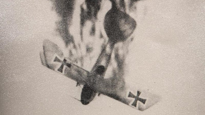 Illustration for article titled These WWI aerial dogfight photos are incredible. Too bad they're fake.