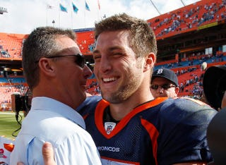 Illustration for article titled Urban Meyer Is Still Insane For Tim Tebow And Won't Shut Up