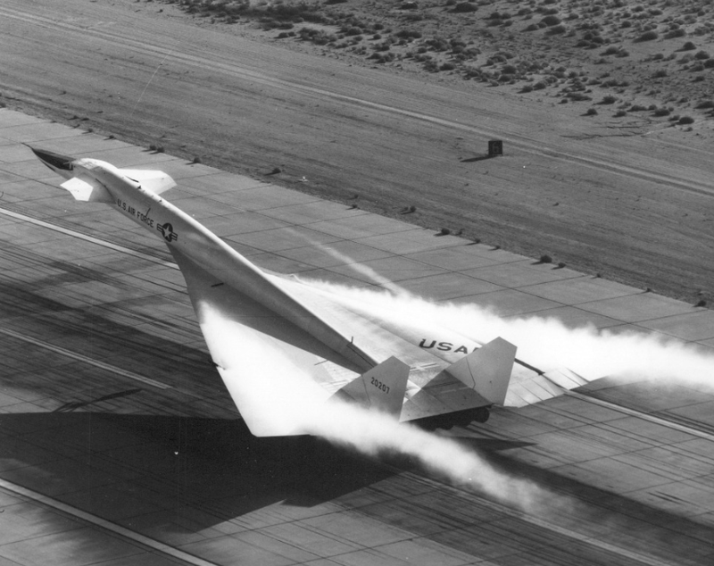 Illustration for article titled XB-70 Valkyrie