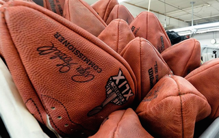 Illustration for article titled Report: 11 Of 12 Patriots-Supplied Footballs Were Underinflated