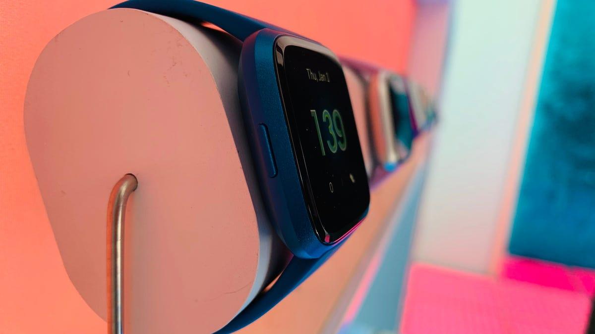 Fitbit Versa Lite, Inspire HR Hands On: Cheaper, but Not Better