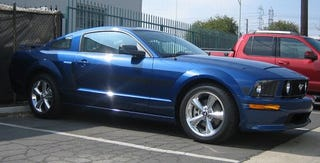 Illustration for article titled Jalopnik Reviews: 2007 Ford Mustang GT California Special, Part 1